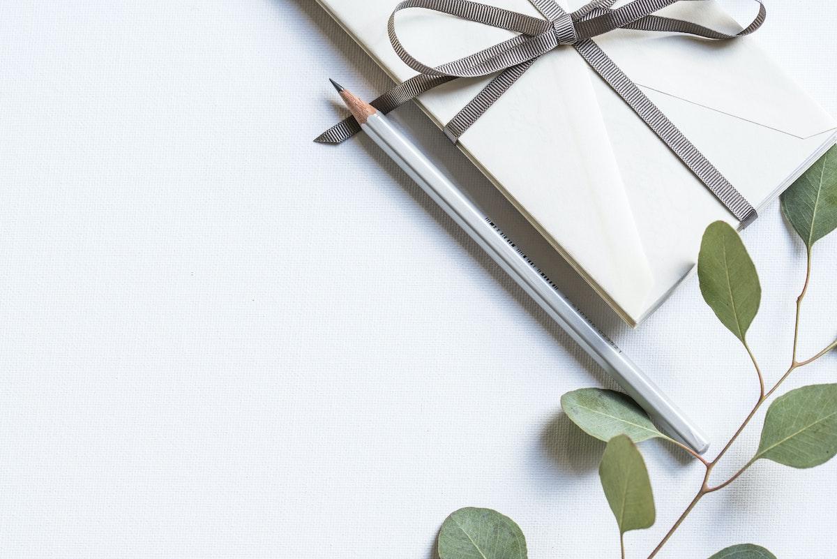 Cadeau d'entreprise écolo avec cahier et crayon écoresponsables